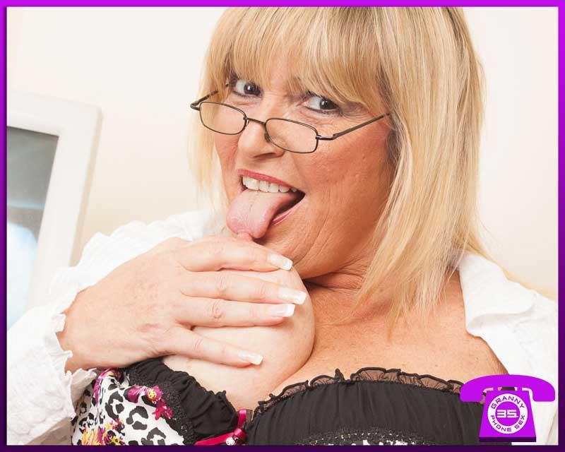 Granny Secretary Roleplay Chat